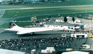 concorde-in-crowd